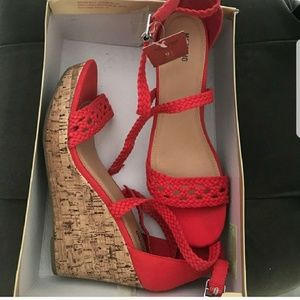 Mossimo size 9.5 wedge sandals NWT